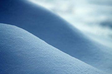 Sporen in de sneeuw, abstract lijnenspel van J.A. van den Ende