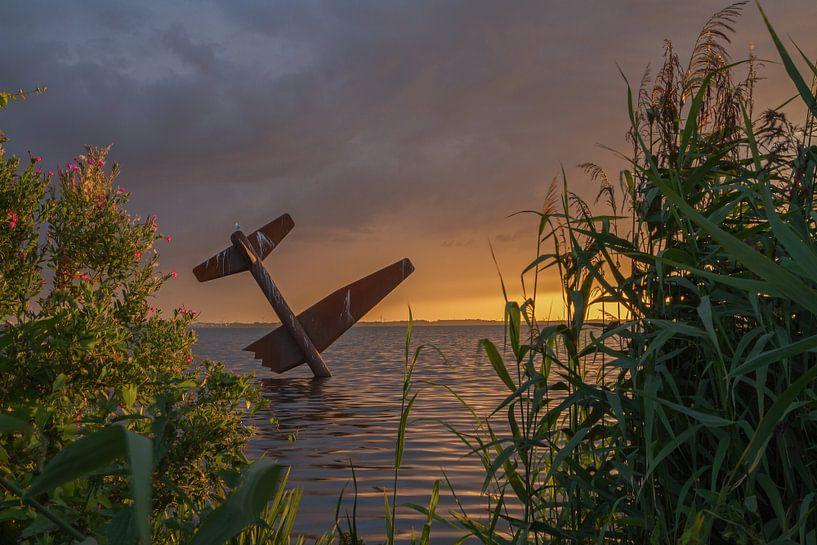 Vliegtuig in Harderwijk. Airplane in Harderwijk. van Justin Sinner Pictures ( Fotograaf op Texel)