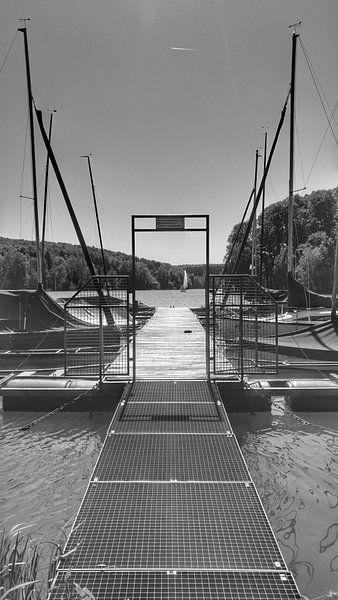 Steiger aan het meer van Andrea Meister