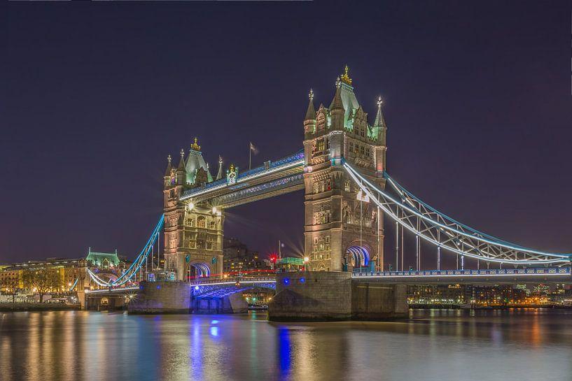 Londen in de avond - The Tower Bridge - 1 van Tux Photography