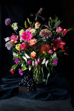 Roemer vaas met bloemen van Peggy Long