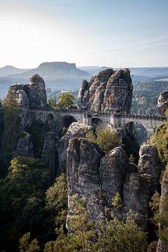 Basteibrücke in der Sächsischen Schweiz von Elles van der Veen