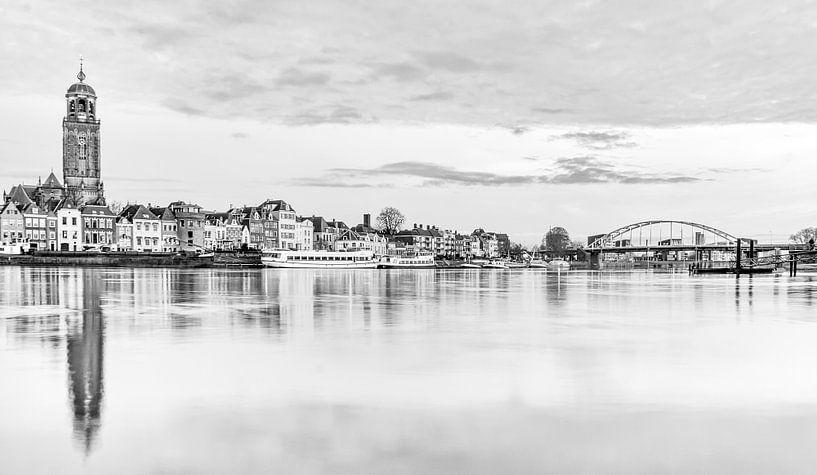 Deventer in zwart/wit van Robert Stienstra