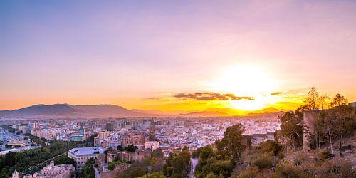 Malaga centrum tijdens zonsondergang - Andalusie, Spanje