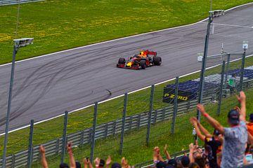 Max Verstappen in actie tijdens de Grand-Prix van Oostenrijk 2017 sur Justin Suijk