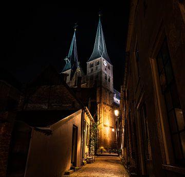 L'église Saint-Nicolas de Deventer la nuit sur Bart cocquart