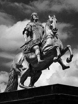 """""""Golden Horseman"""" statue in Dresden van"""