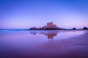 Strand in Portugal bij zonsopkomst van Chris Stenger