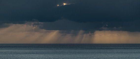 Zonnestralen... van Hans Kool