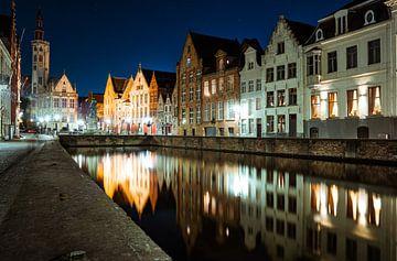 Spiegelrei by Night - Brugge van Thijs van Beusekom