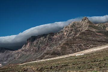 Wolkendeken boven de Risco de Famara op Lanzarote-Canarische Eilanden-Spanje van