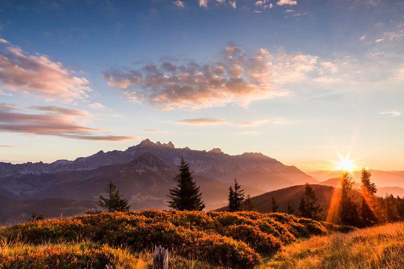 """Berglandschap """"Zonsopkomst in de bergen"""" van Coen Weesjes"""