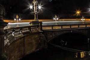 Amsterdam Blauwbrug in de avond van