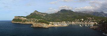Groot panorama 3:1 van Port de Soller, Mallorca van FotoBob