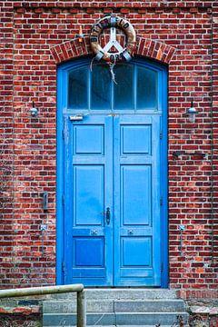 Blaue Tür von Florian Kampes