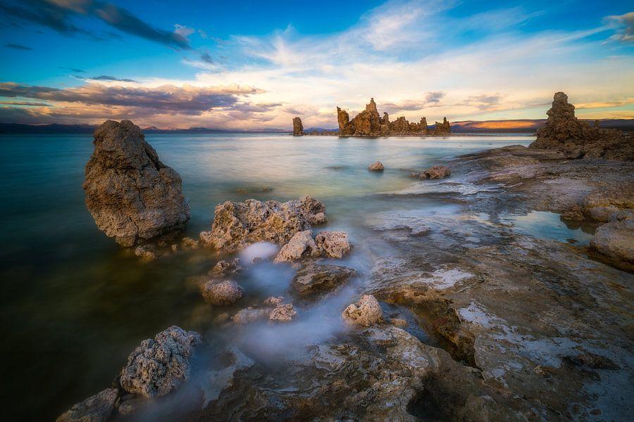 Mono Lake, California  van Albert Dros