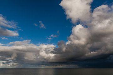 Donkere lucht over Waddenzee von Simone Janssen