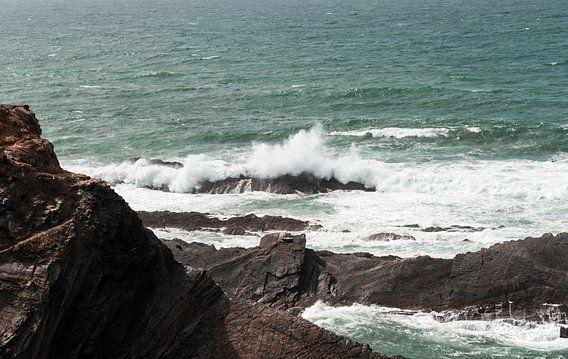 rotsen en wilde zee westkust portugal