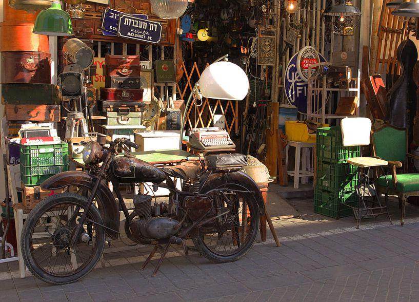 Vintage motorfiets van Inge Hogenbijl