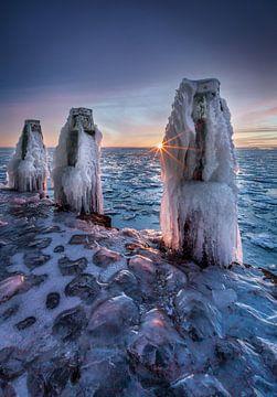 Bevroren afsluitdijk van Mario Calma