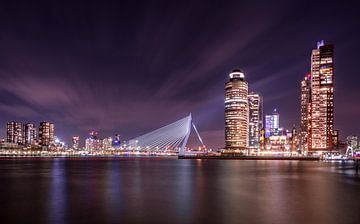 Rotterdam dans la nuit sur Douwe van Willigen