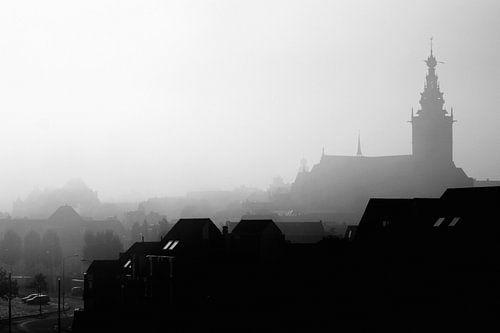 Nijmegen in de mist van