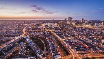 Den Haag vanuit de lucht tijdens zonsondergang - De foto is genomen vanaf de Haagse toren von Retinas Fotografie