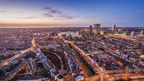 Den Haag vanuit de lucht tijdens zonsondergang - De foto is genomen vanaf de Haagse toren