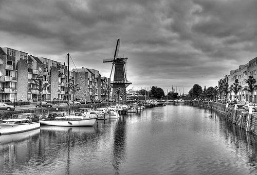 Historisch Delfshaven in zwart-wit (HDR) van