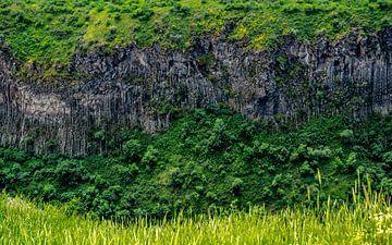 Vallée avec des formations rocheuses sur Stijn Cleynhens