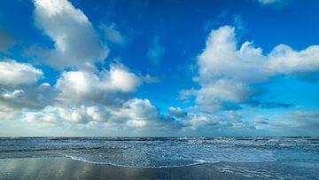 Nuages néerlandais en mer du Nord sur Texel eXperience