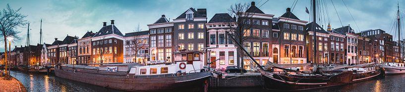 Panorama Hoge der A, schepen, pakhuizen, grachtenpanden, Groningen van Harmen van der Vaart