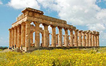 Temple at Selinunte van Leopold Brix