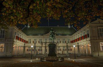 Paleis Noordeinde bij nacht van Marian Sintemaartensdijk