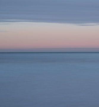 Stille am Horizont (1) von Caro Hum