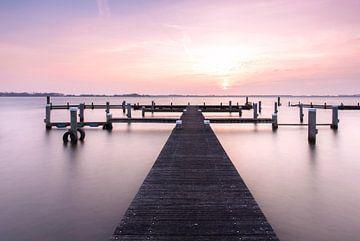 Sunset at the lake van P Kuipers