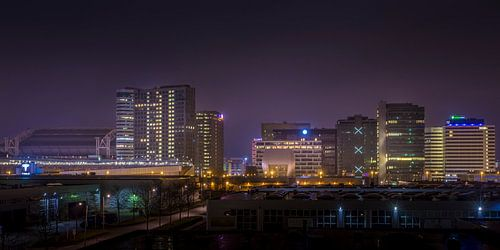 Amsterdam south-east skyline by Night van Johan Viele