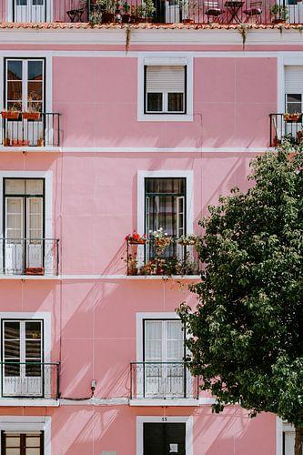 Roze huis in Lissabon van Jessica Arends