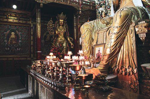Tibetaans altaar in klooster