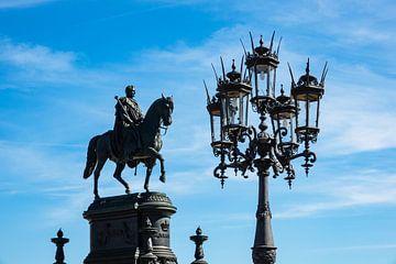 Reiterstandbild und Laterne in Dresden sur Rico Ködder