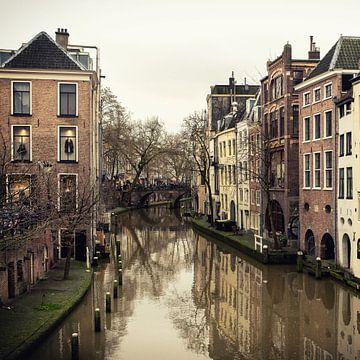 Zicht op de Oudegracht in Utrecht vanaf de Maartensbrug (vierkant) van De Utrechtse Grachten