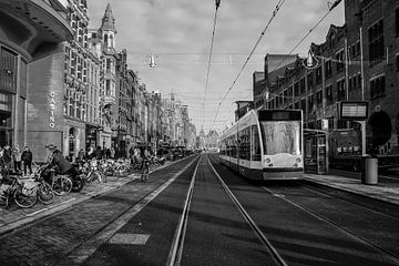 Amsterdam Damrak van Marleen Kuijpers