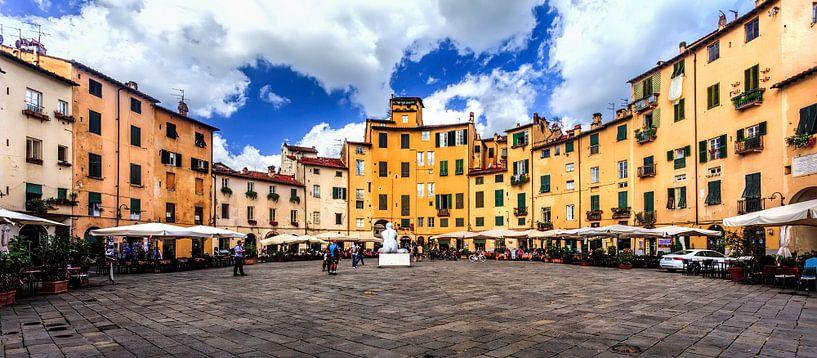 Piazza dell'Anfiteatro van Roy Poots