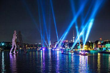Lichtshow in het Berlijnse Osthafen