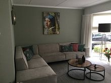Photo de nos clients: Girl with a Pearl Earring - a Mural sur Marja van den Hurk, sur toile