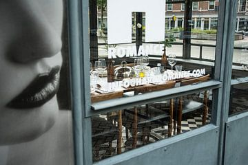 Romance, 1tafel eetlokaal, Katendrecht van Annelies Martinot
