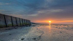 Zonsondergang borstwering Wieringen van Marcel Koomen