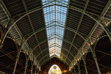 Dakconstructie Markthal Mercado Colon Modernisme Valencia Spanje gemaakt van staal zwart en wit van Dieter Walther