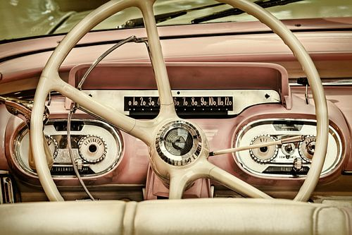 De Pink Cadillac van