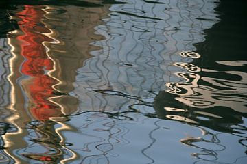 spiegeling visserijhaven van Marianne Tiel